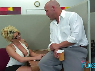 Office sex bomb Claudia gives a blowjob and gets her cunt licked and fucked on transmitted to table