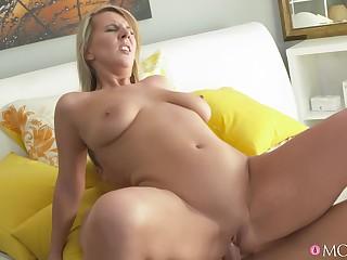 Slutty girlfriend Luci Bettor sucks her boyfriend's dick and rides him
