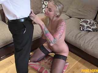 Dirty fake agent fucks orgasmic pussy of sexy mature Kayla Green